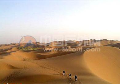徒步穿越库布齐沙漠遇险记
