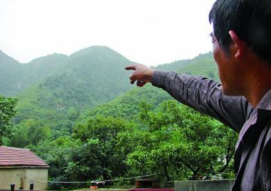 5名驴友被困济南梯子山 民警村民两次上山营救