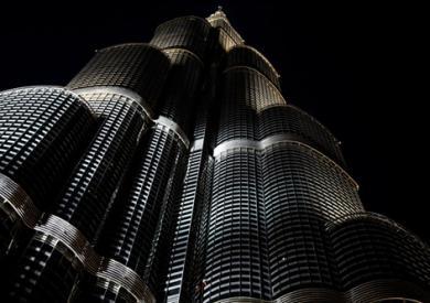 法国蜘蛛人攀爬世界第一高楼迪拜哈利法塔