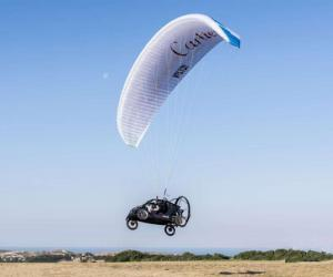 法国研制飞行汽车 成功飞跃英吉利海峡