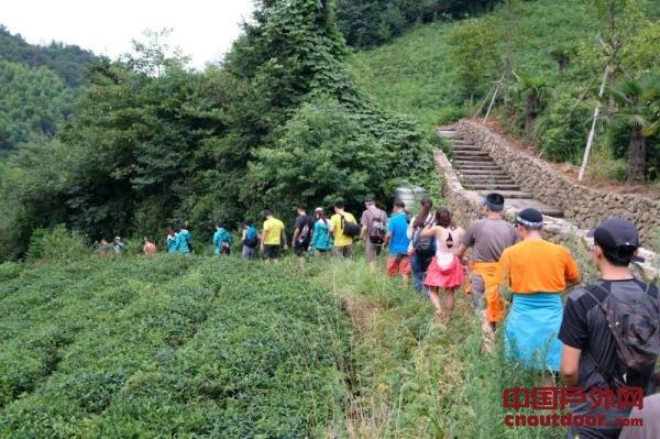 """如何从路跑进阶越野,听这位征服珠峰的女性讲述""""野练"""""""
