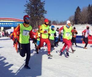 首届全国冬季铁人三项赛在伊春开赛