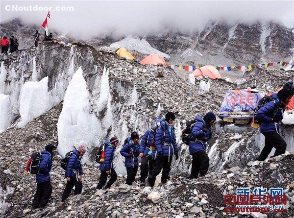 美媒:为从尼泊尔吸引登山者 中国不再坚持珠峰是8844