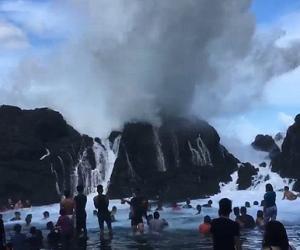 天然淋浴!菲律宾海边环礁湖变天然浴场