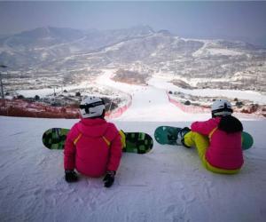 安泰雪业&探路者携手打造中原地区顶级滑雪度假目的地