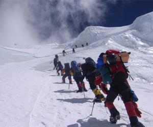 西藏8年接待登山爱好者两万多人次