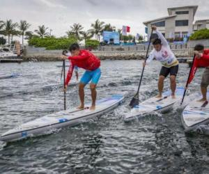 2018第二届全国大学生桨板竞速挑战赛在海南开赛