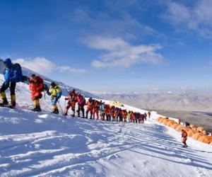 2019慕士塔格国际登山节启动仪式在杭州举行
