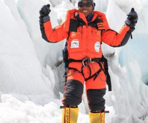 第25次登顶珠峰 尼泊尔高山协作打破登顶珠峰次数世界纪录