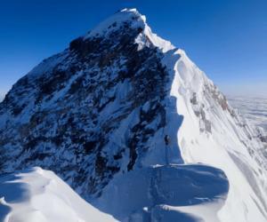 探拓户外携手珠峰攀登团队挑战8844.43米世界脊梁 成功登顶